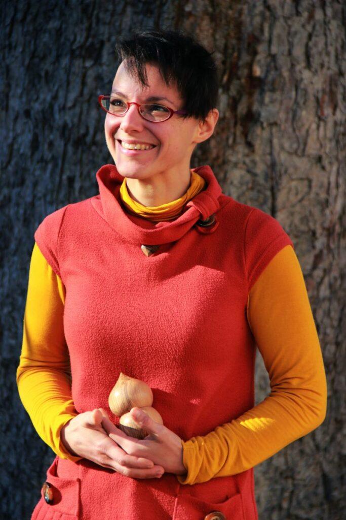 Photo portrait de Coralie Saramago, tourneuse d'art sur bois